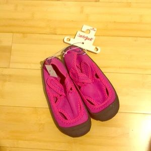 NWT cat and jack water sandals water shoes 11/12